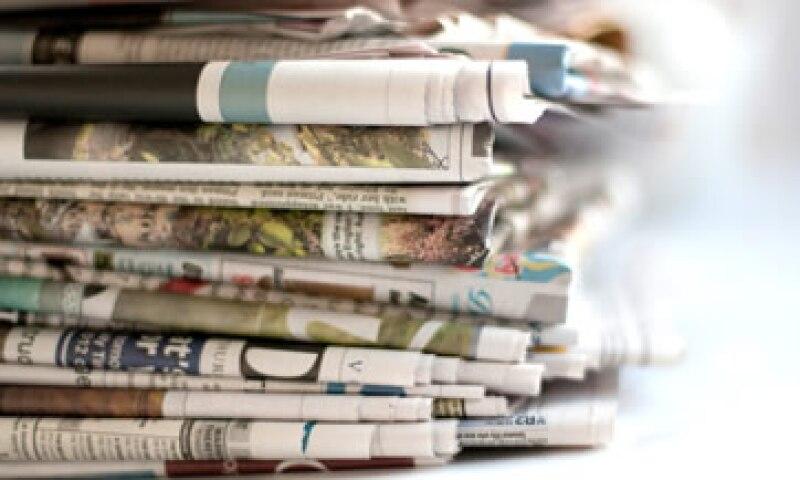 La única manera de hacer dinero con las noticias locales y regionales es mediante la impresión de periódicos. (Foto: Getty Images)