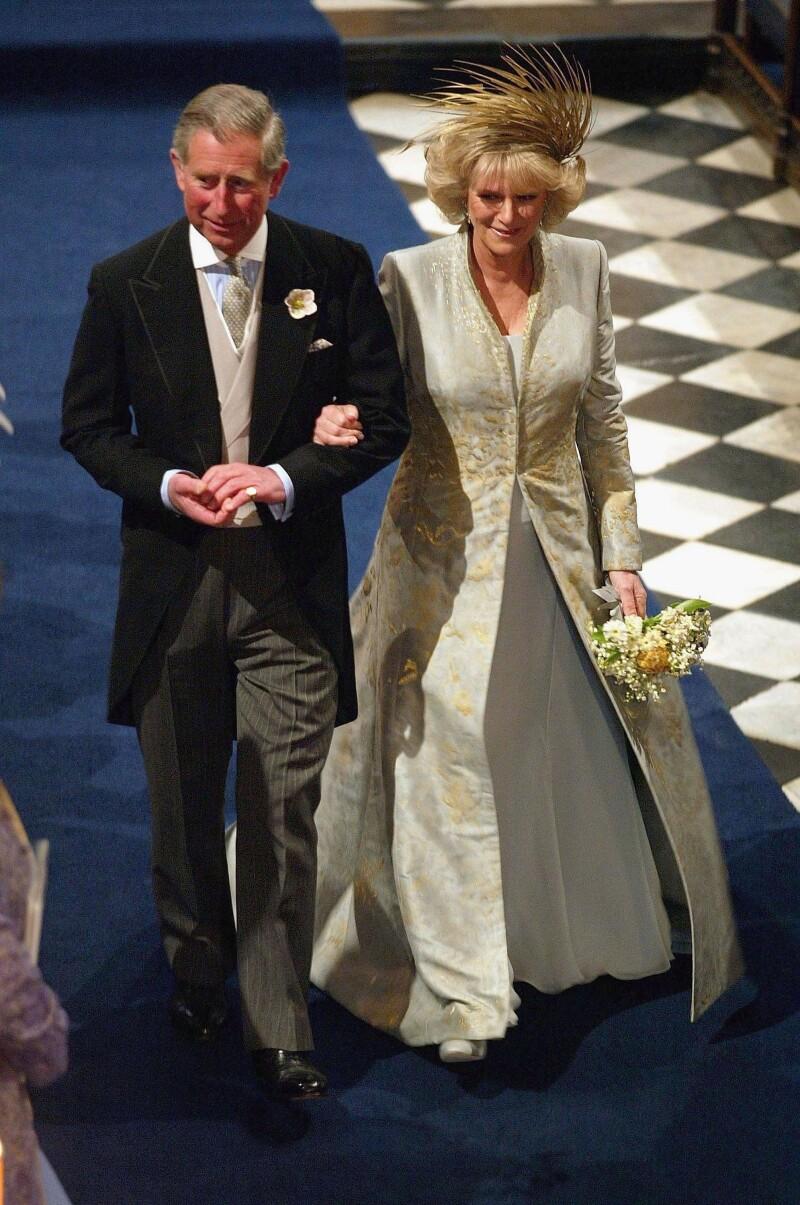 Carlos y Camila tuvieron que posponer un día su gran boda por la muerte de Juan Pablo II.