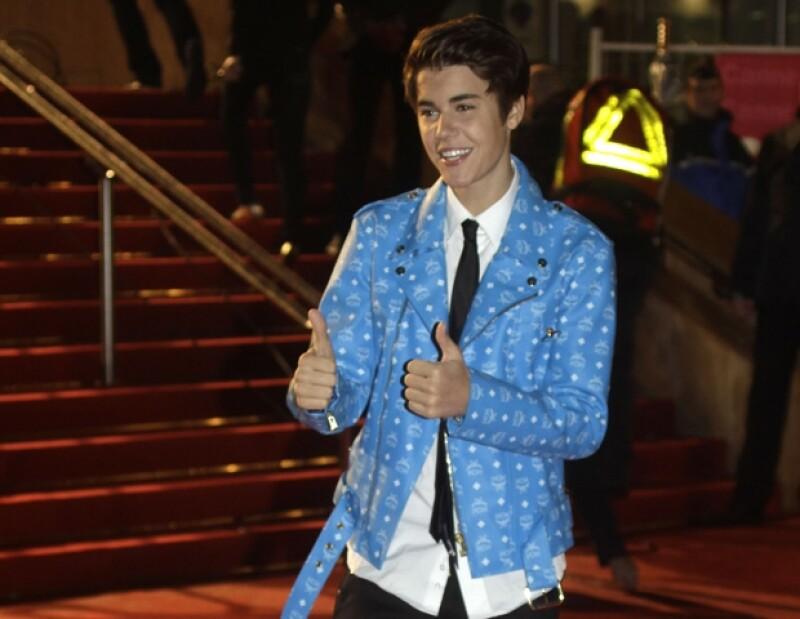 Justin Bieber ha visto como cada momento, lo mismo íntimo o público con su novia, Selena Gomez, es publicado como una noticia principal.