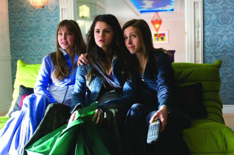 Selena Gomez es atormentada por sus hermanastras en Another Cinderella Story.
