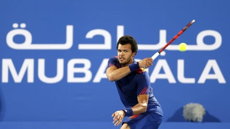 Jo Wilfried Tsonga vence a Andy Murray en Abu Dhabi
