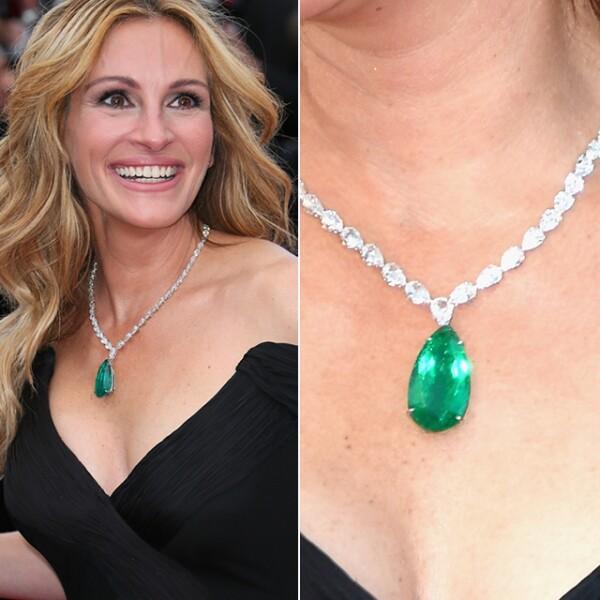 Julia Roberts impactó on un collar de Chopard de diamantes y una esmeralda de 52.76 quilates a la premiere de `Money Monster´.