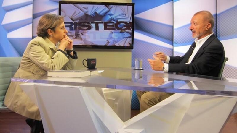 Arturo Pérez-Reverte dijo en entrevista con Aristegui para CNN en Español que México padece de una vieja enfermedad