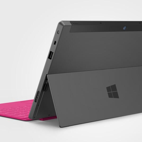 La funda, conocida como Touch Cover, incluye un teclado de apenas 0.3 mm, es decir, lo mismo que una tarjeta de crédito.