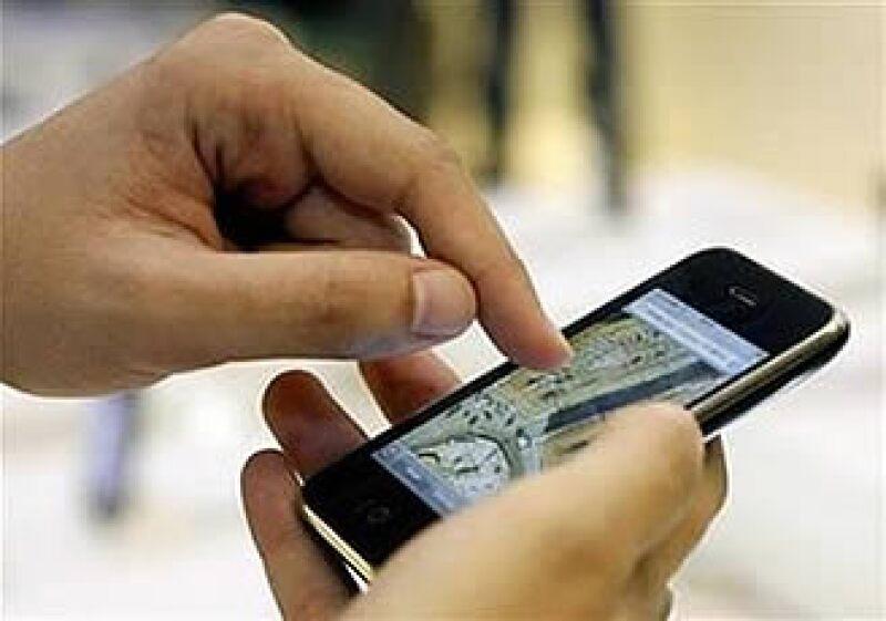 Apple vendió 5.2 millones de iPhones, frente a los 268 millones de teléfonos que todos los fabricantes vendieron en el mundo. (Foto: Reuters)
