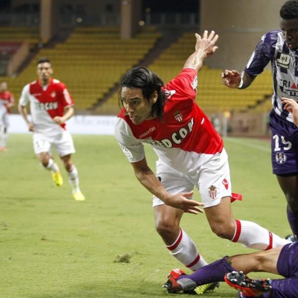Una de las promesas para el Mundial de Brasil 2014 era el delantero colombiano Radamel Falcao, pero una lesión el 22 de enero terminó por marginarlo de la máxima competencia de futbol