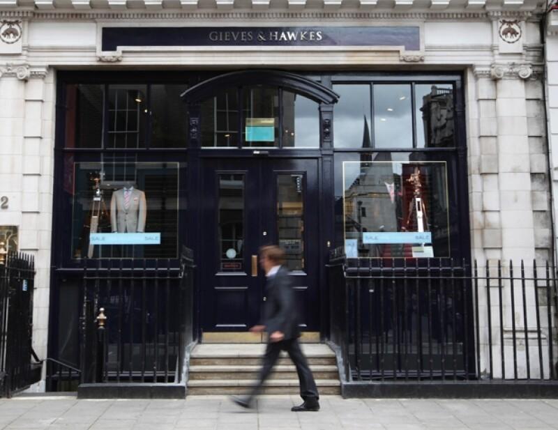 Gives and Hawkes está localizado en Savile Row.