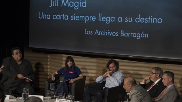 jillmagid-debatebarragan-anillo