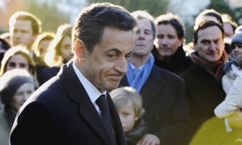 El presidente Sarkozy planea introducir el denominado IVA social para financiar el Estado del bienestar. (Foto: AP)