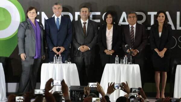 Los candidatos presentaron sus propuestas de gobierno al sector empresarial.