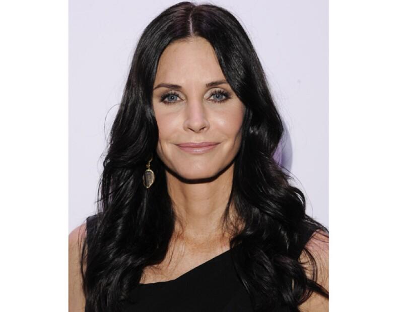 La actriz estadounidense presentó la demanda de divorcio de su aún esposo David Arquette, en donde solicita se le quite su nombre de casada.