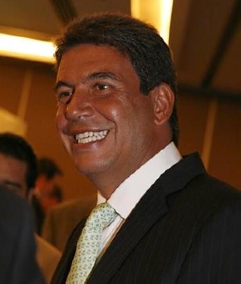 Tanto Carlos Slim Domit, director de la Escudería Telmex, como su esposa María Elena Torruco, no perdieron la oportunidad de demostrar su emoción por el segundo lugar del piloto.