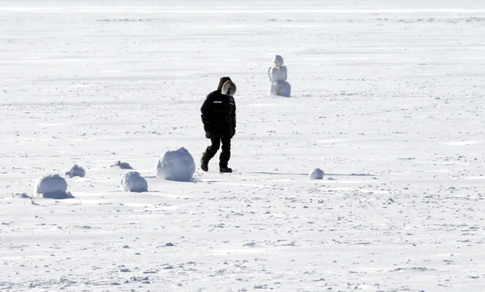 Las bajas temperaturas han provocado al menos cuatro muertes, así como el cierre de comercios y escuelas y a la cancelación de cientos de vuelos.