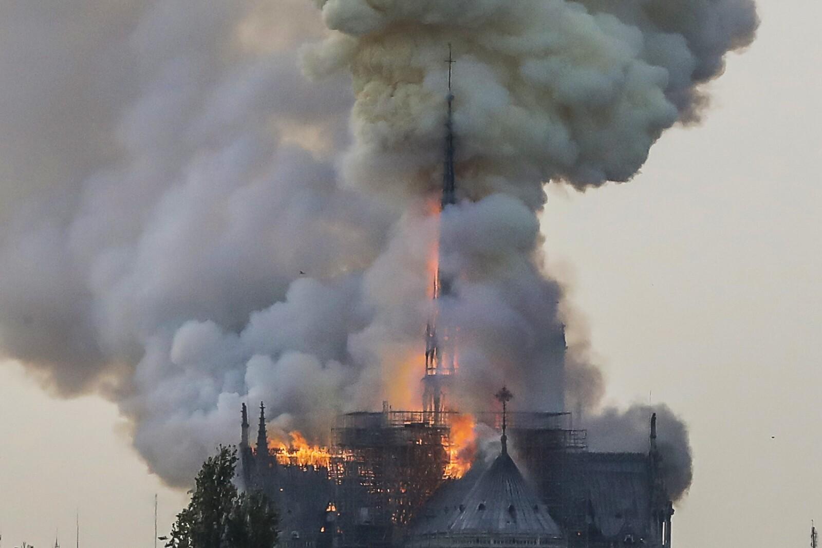 Incendio Notre Dame-3