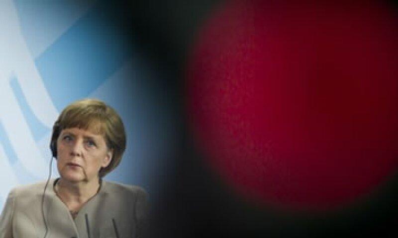 La canciller germana rechazó una vez más la emisión de eurobonos. (Foto: Reuters)