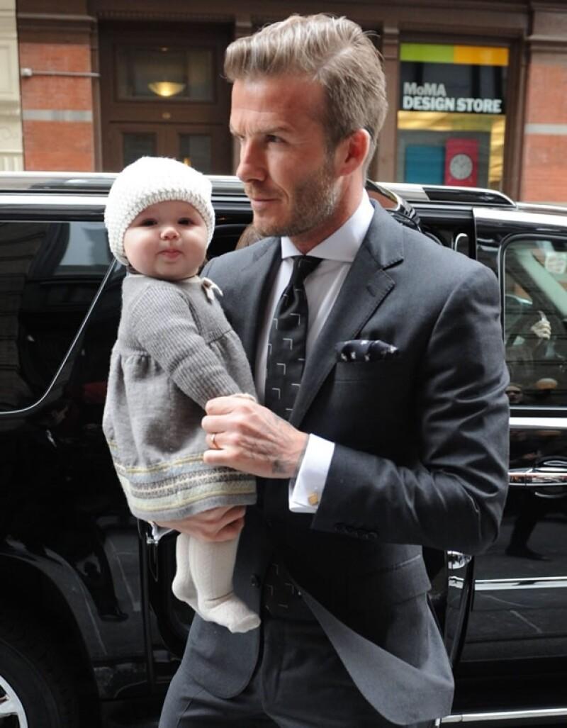 Aquí Harper con su guapo papa, David Beckham.