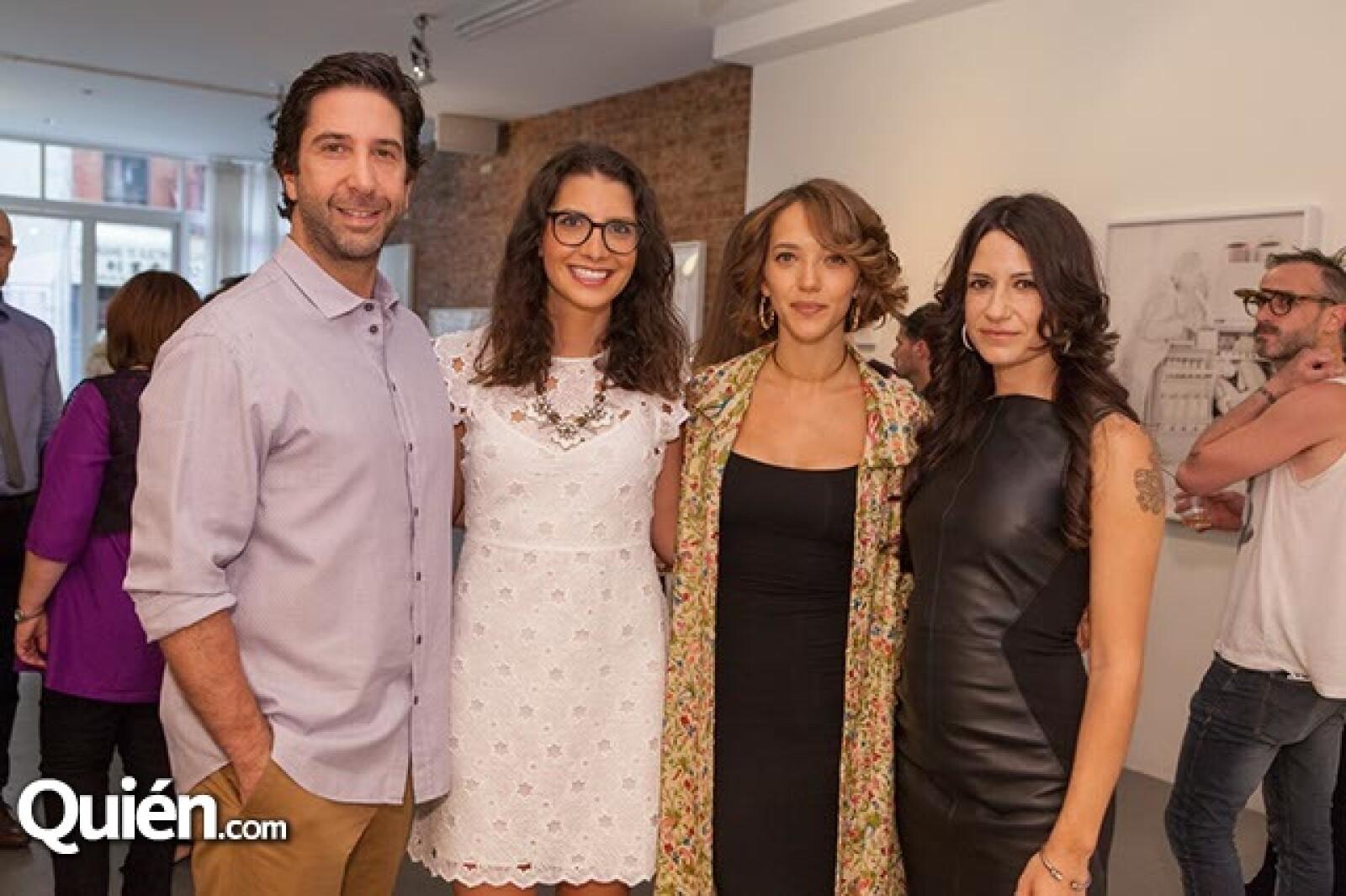 David Schwimmer,Gina Moreno,Zoe Pugner y Vicky García