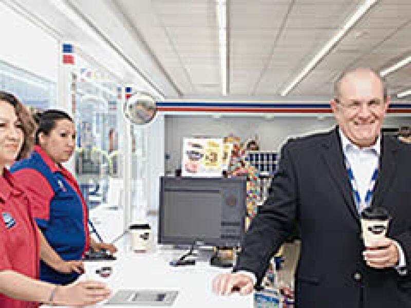 En 2007, Gilberto de Hoyos llegó a la dirección general de Tiendas Extra para redefinir el concepto. (Foto: Ramón Sánchez Belmont)