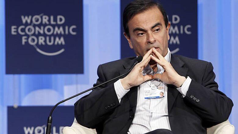 El director general de la alinza Renault-Nissan, Carlos Ghosn, instó a las naciones a planear métodos de energía híbrida tal como los que se desarrollan para sus vehículos comerciales.