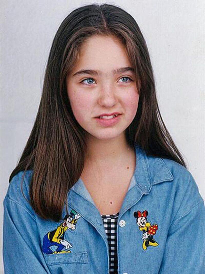 Aquí Anahí tenía 11 años cuando comenzó a realizar papeles esporádicos en producciones de Televisa.