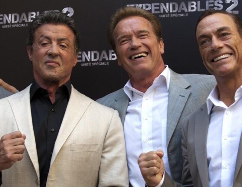 Stallone posó con sus compañeros Arnold Schwarzenegger y Jean-Claude Van Damme.