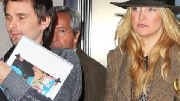 La actriz tendrá su segundo hijo, mientras que para el rockero Matthew Bellamy es el primero; y se informó que tiene tres meses de gestación, así lo confirmó la revista People.