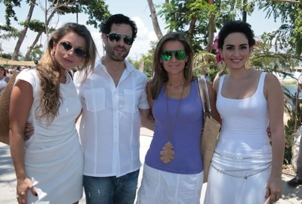 Ludwika Paleta, Emiliano Salinas, Dominika y Ana de la Reguera.