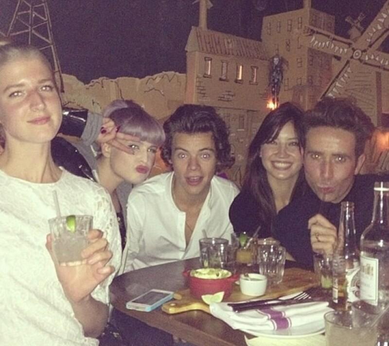 Se dice que el integrante de One Direction se está tomando su tiempo para conocer mejor a la modelo y averiguar si podría haber algo más que amistad.