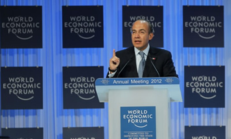 Calderón y Zoellick evaluaron las contribuciones que el BM puede hacer para favorecer una presidencia exitosa de México. (Foto: AP)