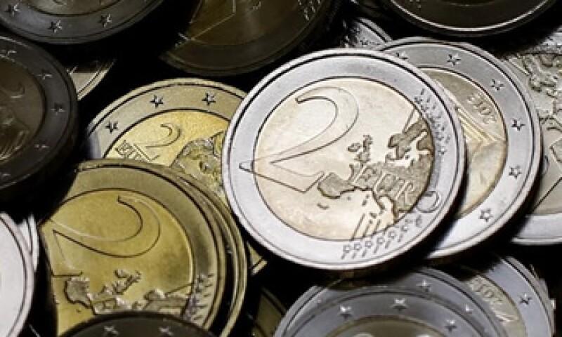 Los griegos empezaron a retirar su dinero de los bancos ante la llegada de la izquierda al poder. (Foto: Reuters )