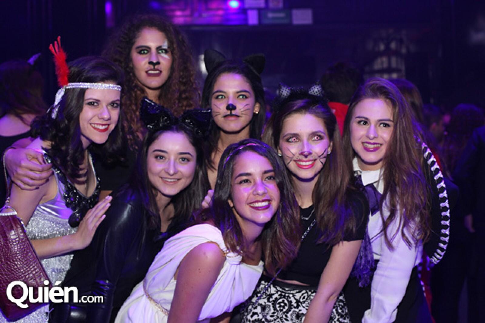 Ana Pau Bisogno,Mónica Magdub,Bárbara Besson,Daniela Díaz,Fernanda Arnaiz,Valeria Reta y Pamela Villegas