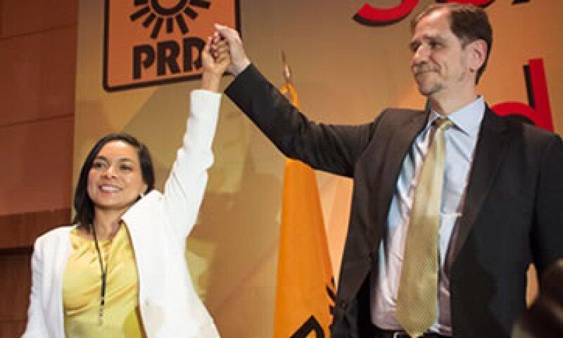 Beatriz Mojica rindió protesta este sábado como secretaria general del PRD, en fórmula con Agustín Basave, nuevo presidente nacional. (Foto: Cuartoscuro)