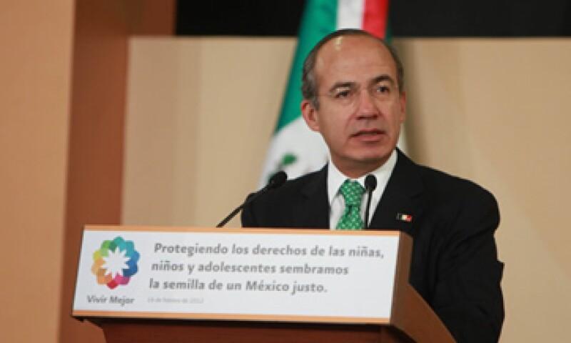 El presidente Felipe Calderón dijo que el en 2011 se generaron 600,000 empleos formales. (Foto: De Presidencia de la República)