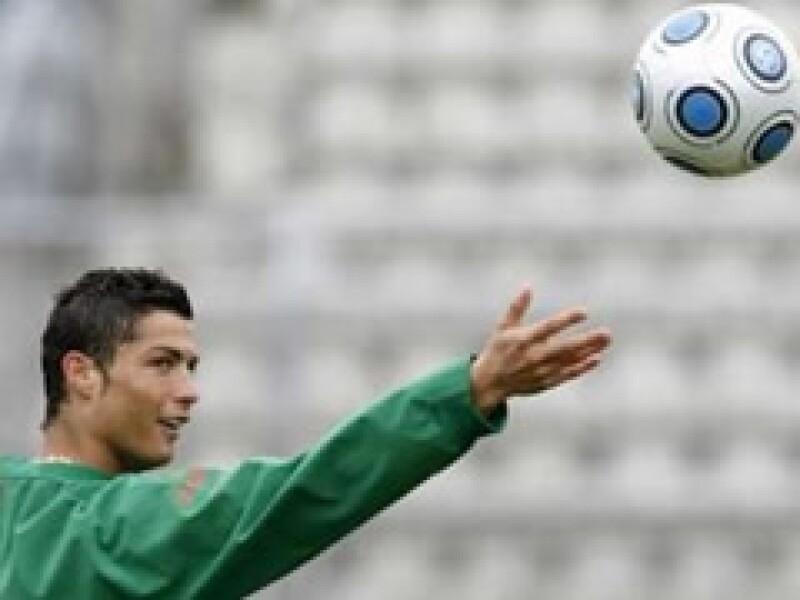 A sus 24 años, Cristiano Ronaldo es uno de los futbolistas más exitosos del mundo. (Foto: Reuters)