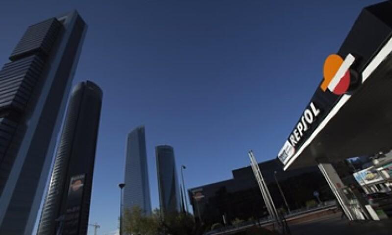 La deuda financiera neta del Repsol, sin considerar, YPF y Gas Natural, bajó a 4,174 millones de euros. (Foto: Reuters)