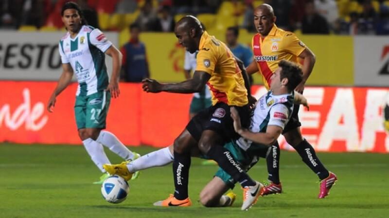 Morelia y el actual campéon del futbol mexicano, León, empataron 0-0
