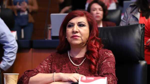 Soledad Luévano, senadora de Morena