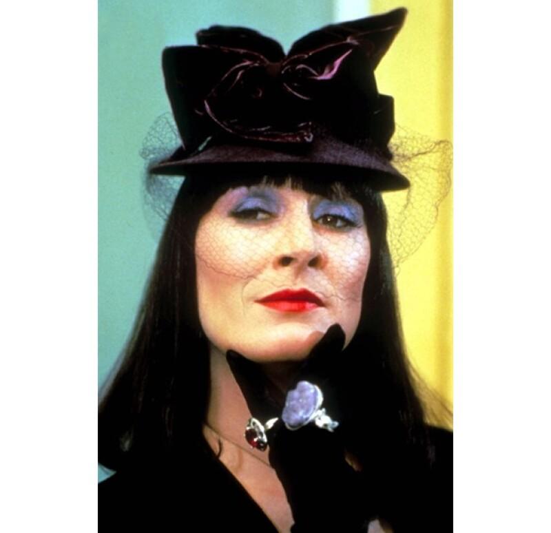Temida por grandes y chicos, Anjelica Houston interpretó a esta reconocida bruja.