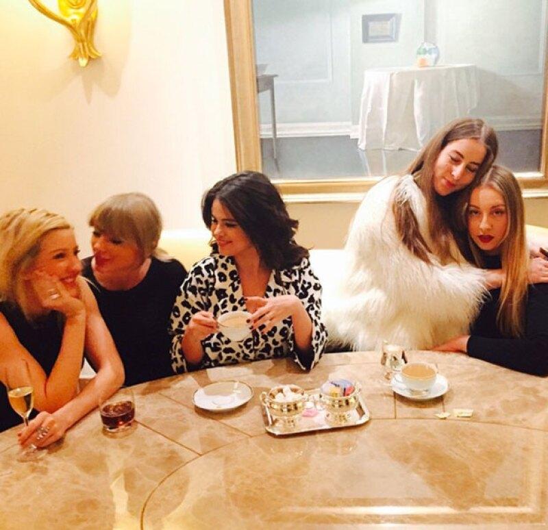 """Todas coincidieron en Las Ángeles y, ahí, decidieron celebrar el """"Día Internacional de la Mujer"""" con una fiesta de té entre amigas."""