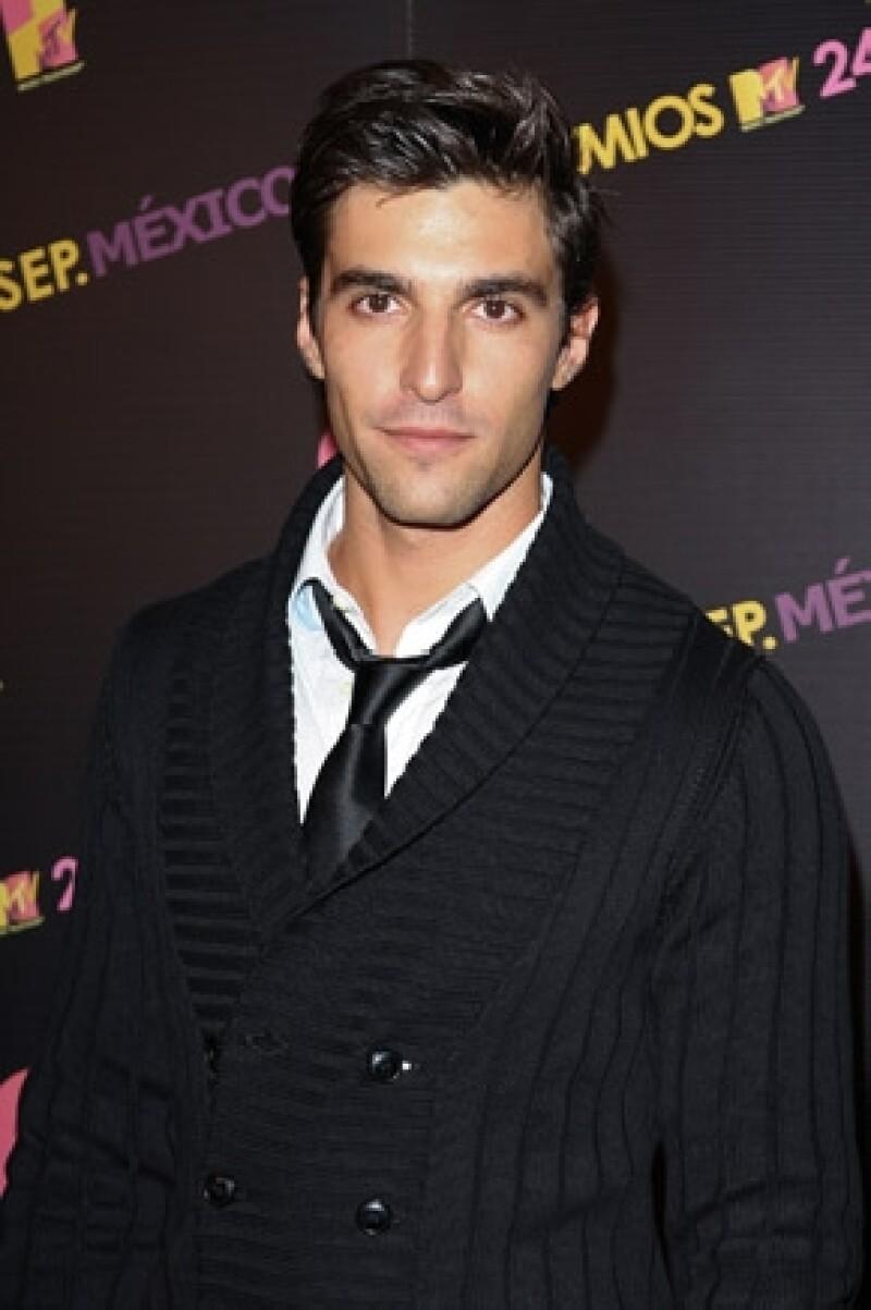 El actor explicó qué fue lo que sucedió en realidad la noche de su detención en Playa del Carmen por medio de un comunicado de prensa.