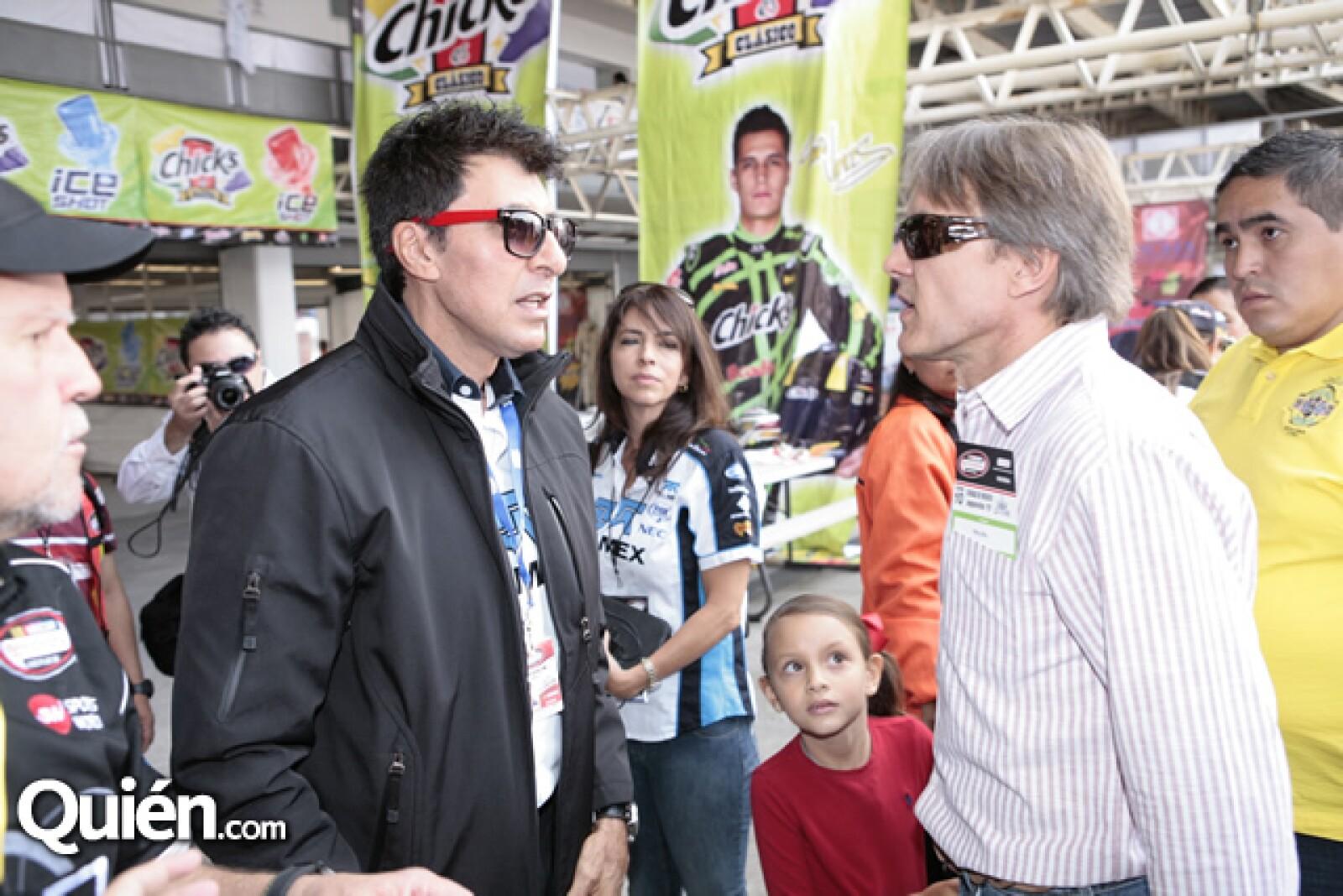 Jimmi Morales,Adrián Fernández