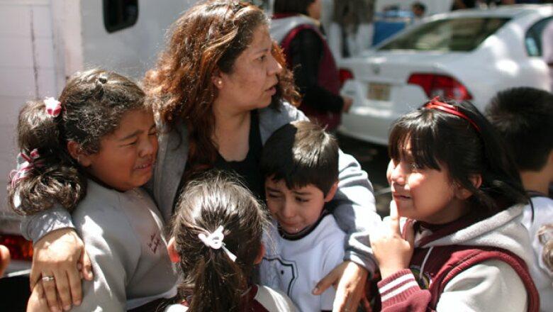 A través del servicio telefónico 072 se pueden hacer reportes de daños en edificios de la Ciudad de México.