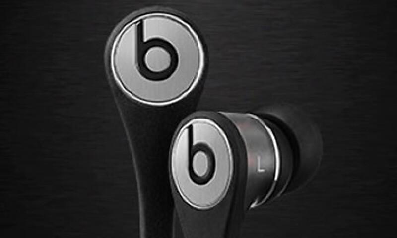 La demanda sostiene que la marca Beats valdría muy poco sin la influencia de Apple. (Foto: Tomada de beatsbydre)