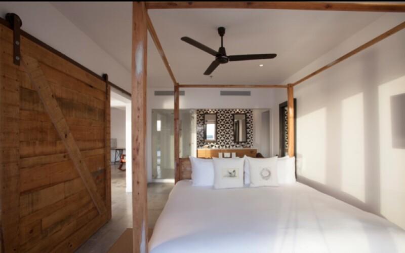 Cuenta con 69 exclusivas habitaciones que se caracterizan por su novedosa decoración.