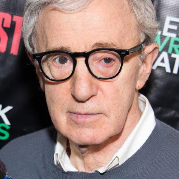 El creador de las comedias más irónicas tuvo que haber estudiado una carrera, sin embargo, a él lo expulsaron de la Universidad de Nueva York y nunca más regresó, ya que nunca le agradó estudiar.