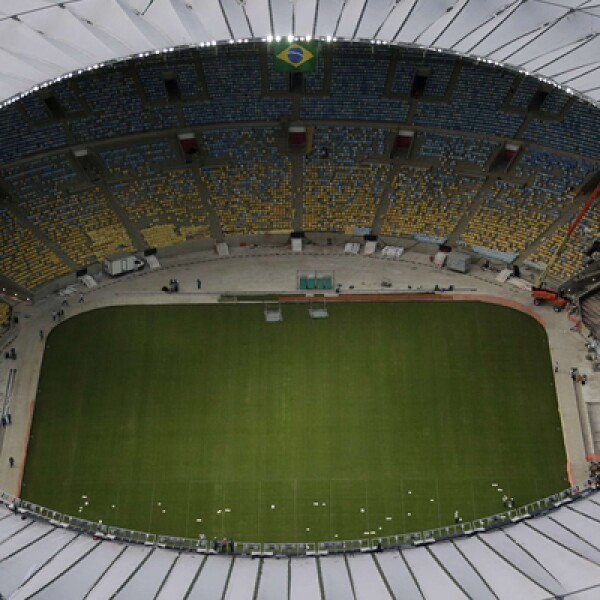 Brasil aún no termina los principales estadios para la Copa Confederaciones, pese a vender ya más de medio millón de entradas.