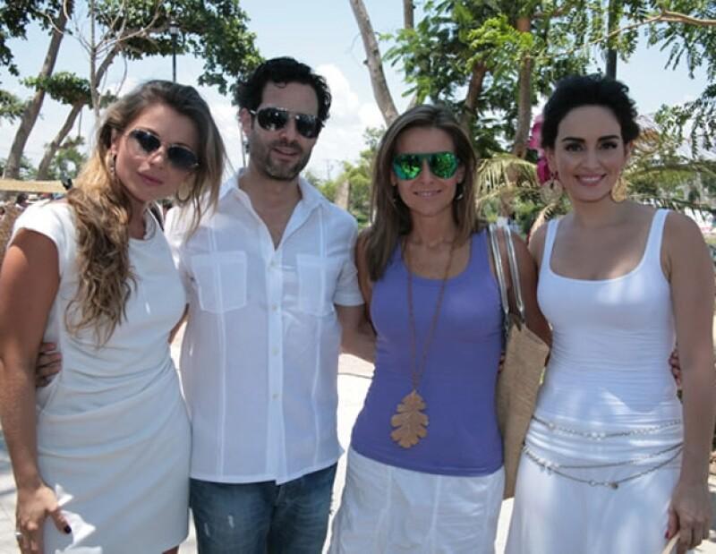 Ludwika, Emiliano, Dominika y Ana de la Reguera en la inauguración del Pasaje La Antigua.
