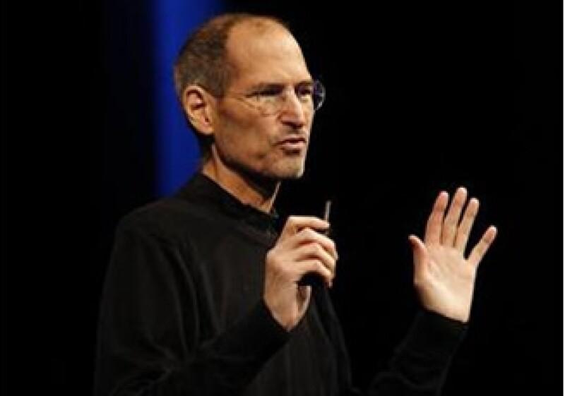 La biografía de Steve Jobs cuesta 14.99 dólares en su versión para Kindle. (Foto: Reuters)