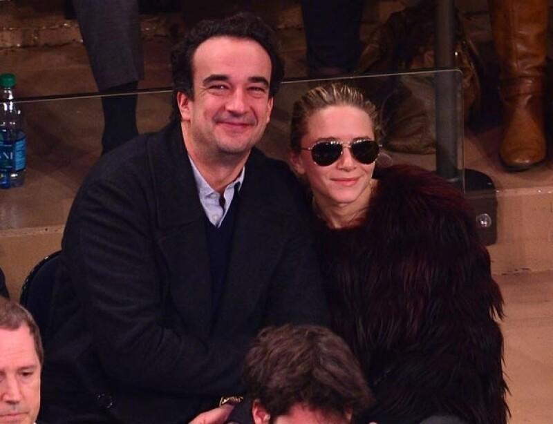 Fuentes cercanas a Mary-Kate Olsen y Olivier Sarkozy, aseguran que ahora son marido y mujer.