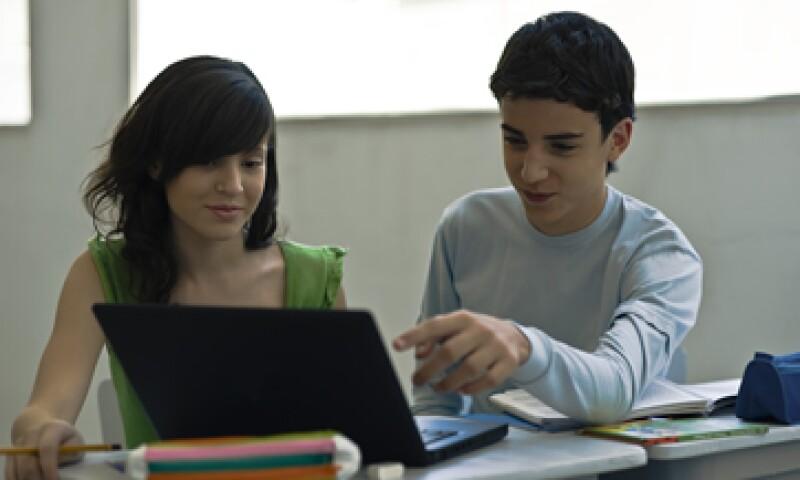 Los principales beneficiados del servicio serán las instituciones educativas, apuntó la SCT. (Foto: Getty Images)
